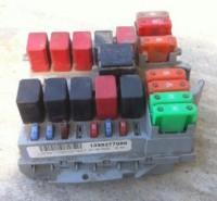 Блок предохранителей и реле (без кондиционера)